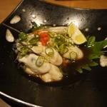 炭火焼専門店 麹庵 - 生牡蠣です