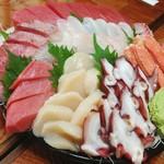魚喜 - 刺身盛り合わせ