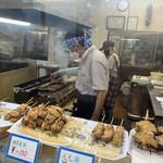 とらちゃんの焼とり - 料理写真:店内