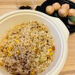 富錦樹台菜香檳 - カラスミ炒飯と海老団子