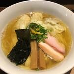 中華soba いそべ - 料理写真:白旨にこにこワンタン麺