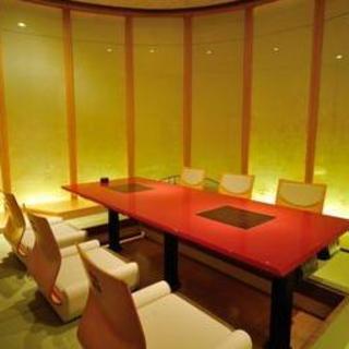 落ち着いた雰囲気の店内で宮城の食材の魅力を堪能できる日本料理店