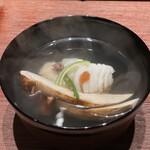 永山 - 腕もの 地物のおこぜ、長野の松茸 おこぜはふわふわ、松茸は良い香り