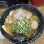麺哲 - 薄口肉醤油(煮玉子トッピング)♪