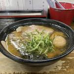 麺哲 - 薄口肉醤油(別アングル)♪