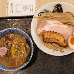 松戸富田製麺 - 料理写真:2021.10 特製つけ麺(1,200円)
