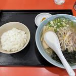 天心 - ドリンク写真:しおラーメン定食