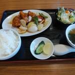 中国料理山水 - 料理写真:Aランチ 酢豚ライス