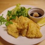 カレーや 満店堂 - ナマズの唐揚げ 脂ののった白身魚のような癖の無い高級魚です。 \580