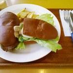 アルカディア - ローストビーフとツナタマゴ840円