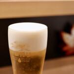 緑苑 - 生ビールがクリーミーでうまい!
