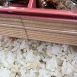 青葉亭 - 麦飯と白米の混ぜ( *´꒫`)