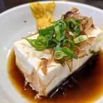 七津屋 - 湯豆腐 140円