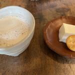 日光くじら食堂 - デザートのカプチーノと杏仁豆腐