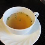 ウォールデン - スープはカップサイズのチキンスープです。