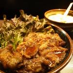 たどん - 期間限定 カルビ丼セット (カルビ丼 (大盛), たまごスープ) (800円)
