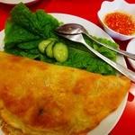 大肚魚飯店 - 厚いクレープの様なバインセオ