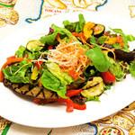 トラットリア ボッカ ボーナ - 15品目のサラダ