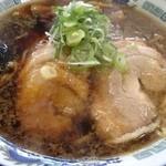 八屋 - 醤油ラーメン
