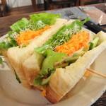 カフェ ドゥース - 料理写真:今日のサンドイッチ