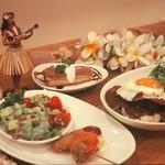 LOCO'S KITCHEN OLU OLU - オルオルディナーセット♪前菜3種、選べるメイン(ロコモコなど)、選べるデザート。 1,490円