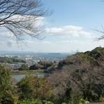 山麓園 - 2012.11 入り口付近からは三河湾が一望できます♪