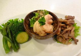 ペック 横浜高島屋店 - お皿に載せるとおいそうに見えるね