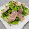 アトリエ・ド・フロマージュ - 料理写真:サラミ ウンゲレーゼ スライスをサラダに