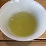 mirume 深緑茶房 - 試飲で頂いた冷たいお茶♪