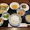 かぶら亭 - 料理写真:本日の日替り定食、天ぷらとアジの塩焼き