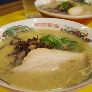 ラーメンまむし - 料理写真:ラーメン550円 スープこってり旨いけど・・あっさりマイルドに感じ。。
