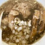 ツバメヤ - 料理写真:煮干しラーメン。野生味のあるスープ。