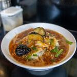 鷹の爪 - 料理写真:ピリ辛鳳凰麺