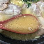 川崎家 - 豚骨醤油スープ