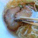 壱丁目ラーメン - ロース肉を使った燻製チャーシュ