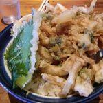 むぎ家 - お店の名物海鮮かき揚げ丼