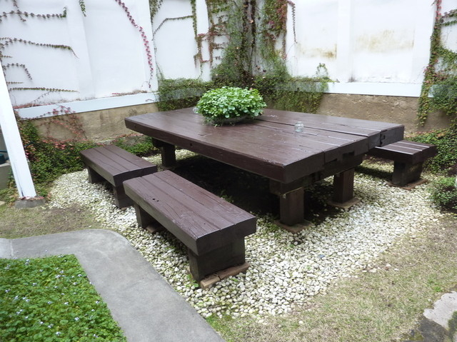 サロン ド テ エム エス アッシュ - 中庭には、大きなテーブル♡
