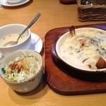 向日葵亭 - スモール海老トルコライスグラタン 贅沢な一品です! なんとランチタイムで680円。 美味しかったし満腹  (*´ڡ`●)