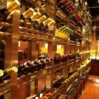 ブラジルや世界各国のワインをご用意しております。