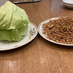 民生 廣東料理店 - 豚肉ミンチのレタス包