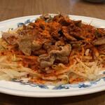 民生 廣東料理店 - 豚肉ともやしの炒め物