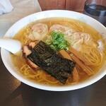shinasobakatsumi - 料理写真:2021年10月 肉ワンタン3個入り大盛の白(970円)