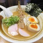 ようすけ 鶏煮亭 - 料理写真:濃厚鶏醤油らーめん 800円 味玉 100円