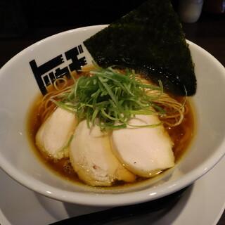 らぁめん トリカヂ イッパイ - 料理写真:醤油らぁめん(800円、斜め上から)