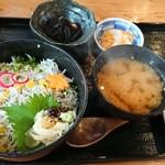 カニと海鮮丼 かじま - 料理写真: