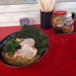高松家 - 料理写真:ラーメン 中盛
