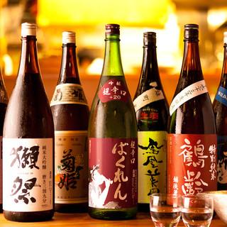 日本酒にこだわり 全国の銘酒を自慢の本錫徳利で…