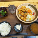 ひるがの高原サービスエリア上り線 - 料理写真:から揚げ定食