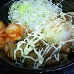 カルピ丼 - カルピ丼温玉・キムチ・マヨネーズのせ