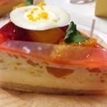 Keju - マンゴーオレンジレアチーズケーキ☆  マンゴーの甘さとレアチーズの食感が堪らん!٩(๑❛ᴗ❛๑)۶